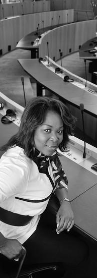 Gisèle Mandaila Députée régionale  « Montrer le côté positif de la communauté sub-saharienne en Europe est important. C'est à nous de nous prendre en charge, de parler de notre histoire. »