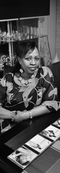 Cécile Kayirebwa Chanteuse  « C'était le moment de montrer au monde, à ceux que je pouvais toucher par ma musique, l'autre image du Rwanda. C'est d'abord un pays de culture, un pays de paix, un pays d'amour, de bonne éducation, d'humanité. »