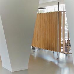 L'architecture intérieure a choisi le naturel du bois pour des espaces lumineux