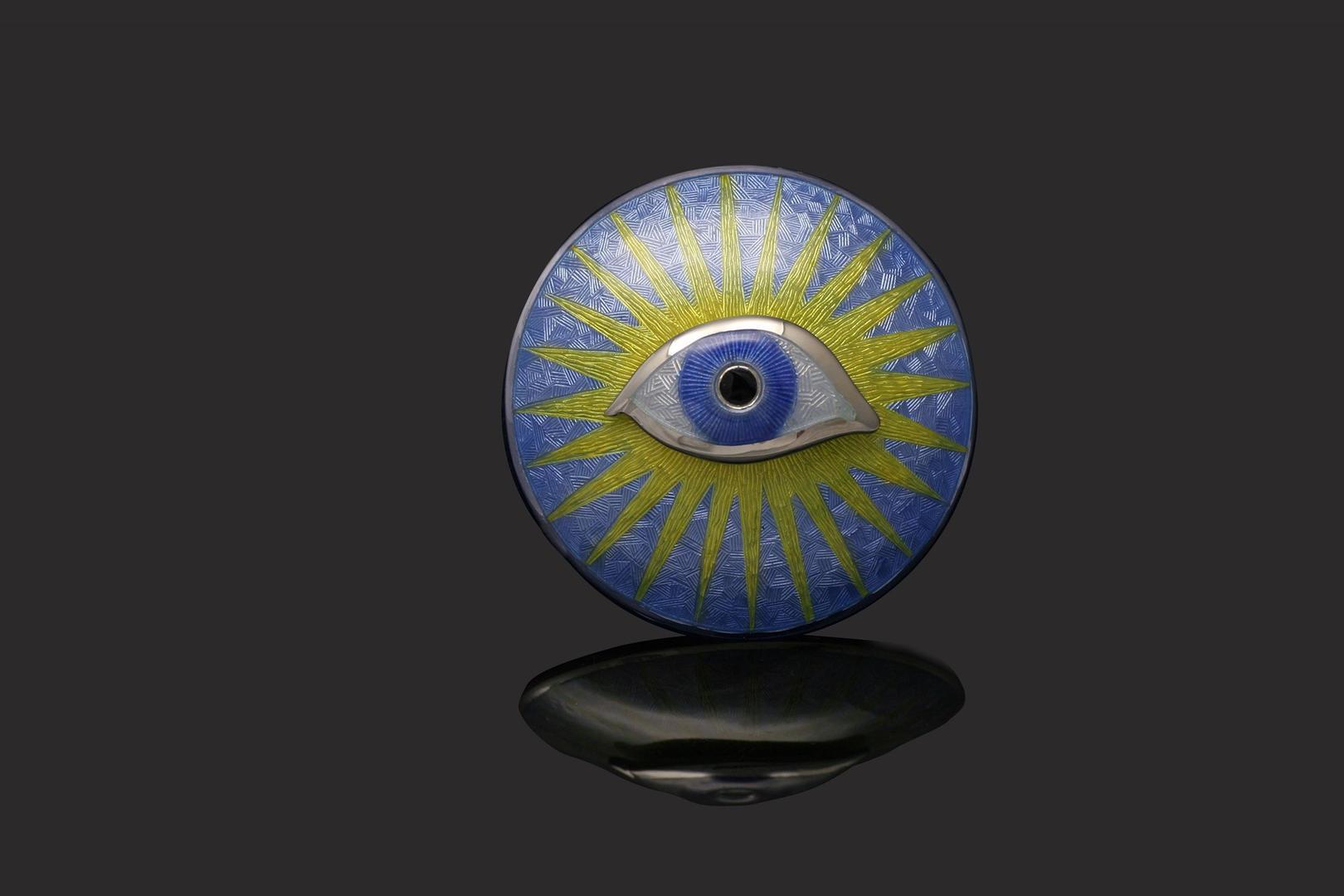 Enamel eye