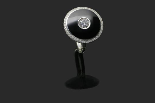 Black enamel ring