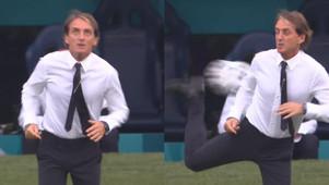 Il tiro a segno di Schick e il tacco di Mancini. Fuoriclasse dentro e a bordo campo di Euro2020