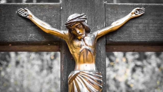 Il crocifisso non è discriminatorio. Lo stabilisce la Cassazione