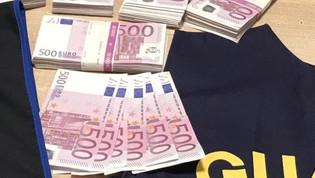 Fiumicino, da Dubai con 45 mila euro nelle scarpe: multato ex calciatore di serie A