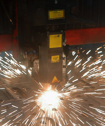Laser cutting machine with sparks
