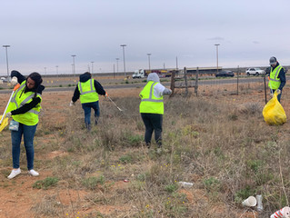 Porter's participates in Keep Andrews Beautiful Spring Trash Bash