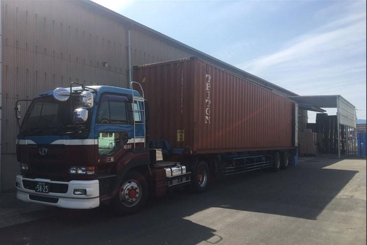 物流倉庫で入荷・出荷作業を体験