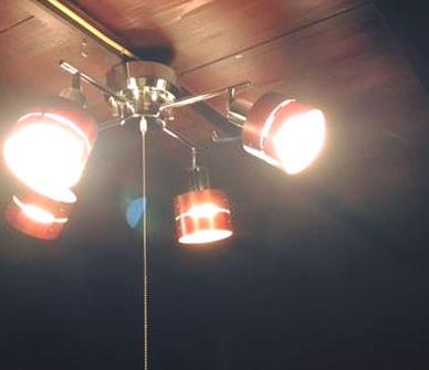 「レダカイ」が活躍するところ。古民家×4灯シーリングスポットライト