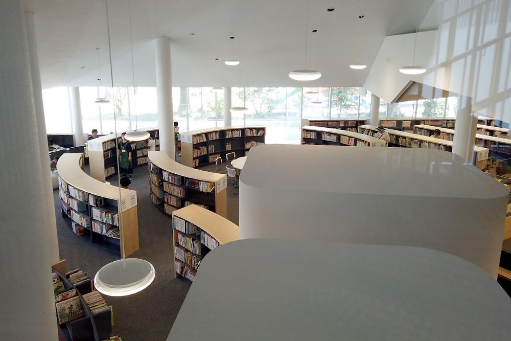 子供図書エリアの照明