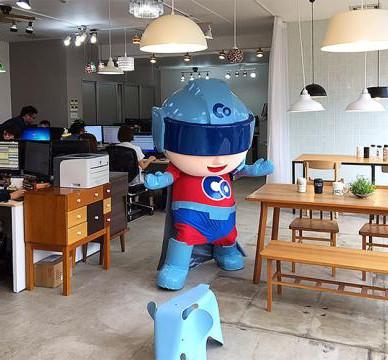【動画あり】日昇にやってきた、愛媛のスーパーヒーロー(?)ボウズマン