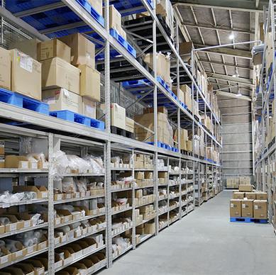 通販事業の裏側を公開!当社の取扱商品の大部分が出荷される「物流倉庫」