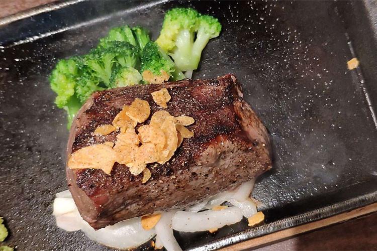 ステーキで良質なタンパク質を摂取