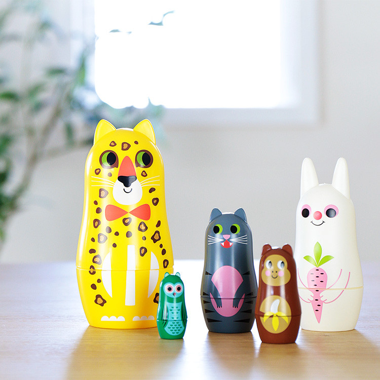 動物のデザインがユニークなマトリョーシカ