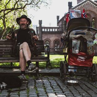 Jim trengte barnevogn til alle eiendelene hans.