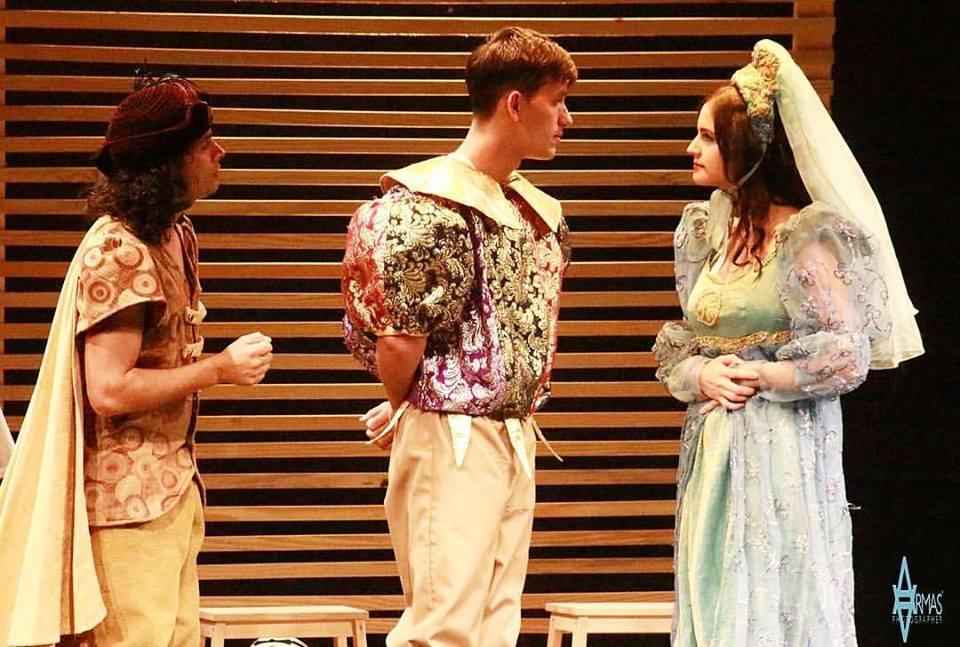 Romeo VS Julieta - Johnny Acero - Play