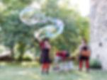 Spectacle de rue / Déambulation / Bulles de savon géantes / Animation musicale
