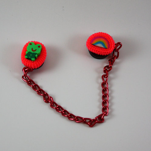 red magnet chain