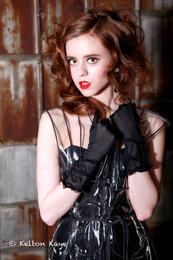 black maxi gloves