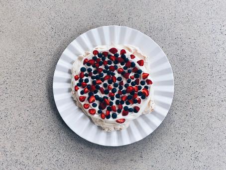 Pavlova - kaunis ja helppo kakku