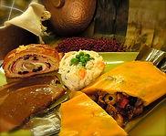 comida venezolana en chile, sabores del mundo, hallaca, bollo, pan de jamon, ensalada de gallina, pernil de cerdo