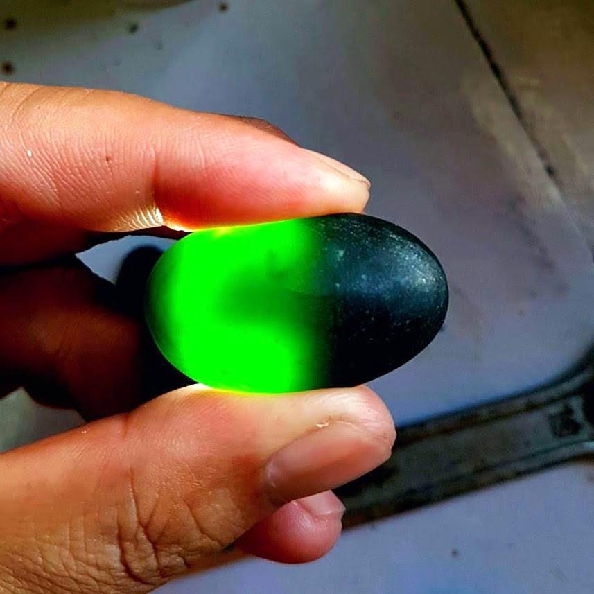 Imperial Translucent Black Omphacite Jadeite Jade Square with Lab Certificate!
