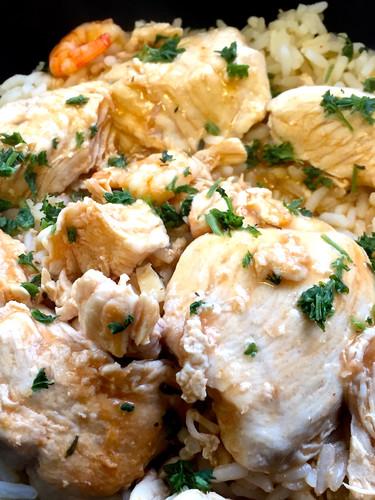 Filet de poulet aux crevettes à la bisque de homard