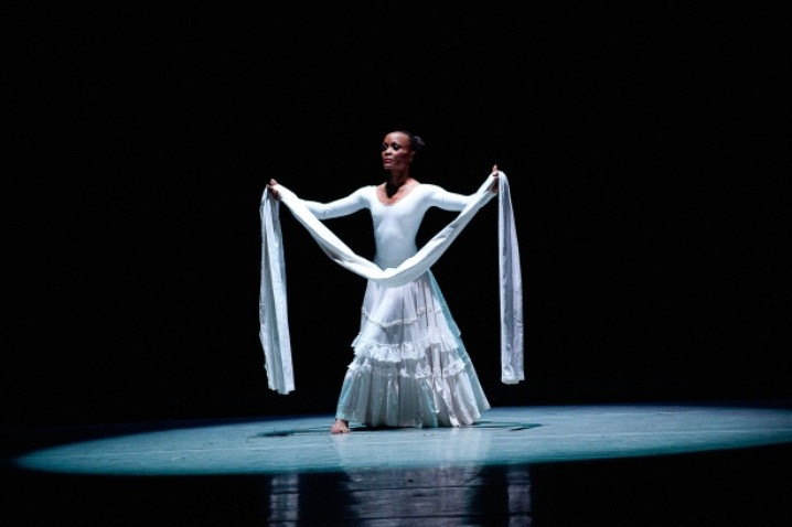 AAADT_s_Renee_Robinson_in_Alvin_Ailey_s_Cry__Photo_by_Christopher_Duggan-prv_sli
