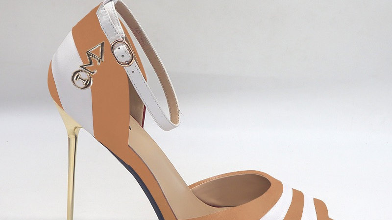 ΔΣΘ Cappuccino/White Genuine Leather 5in heels with gold buckle