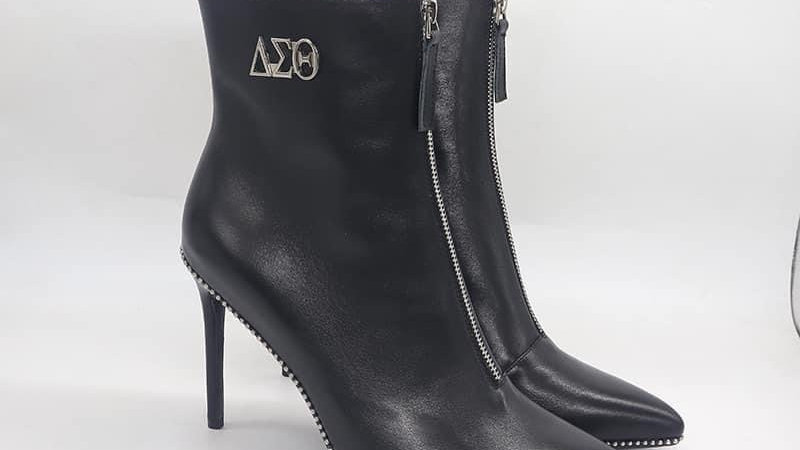 ΔΣΘ Genuine Leather 4in Boots w/ silver embedded buckle