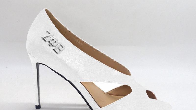 ΖΦB White Genuine leather 4 in heels silver embedded buckle