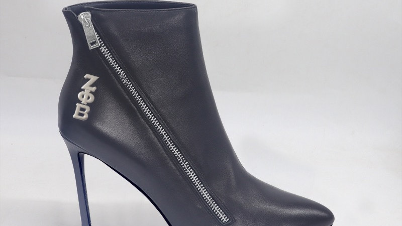 ΖΦΒ Black Genuine Leather 4in Boots w/ silver embedded buckle