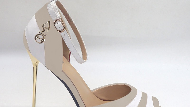 ΔΣΘ Light Gray/White Genuine Leather 5in heels with gold buckle