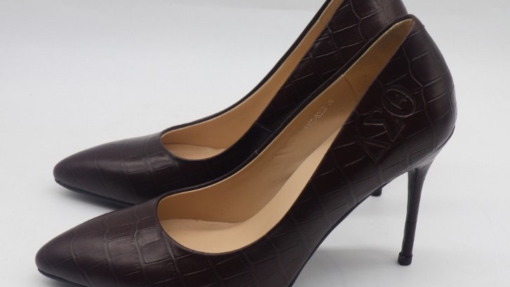 Chocolate ΔΣΘ Crocodile Pattern Leather Debossed heels