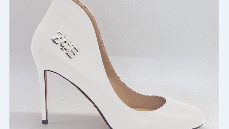 ΖΦΒ White Genuine Leather 4in heels with silver buckle