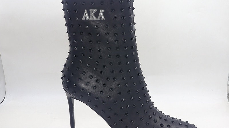 AKA Black Genuine Leather Spiked 4in Boots w/silver embedded buckle