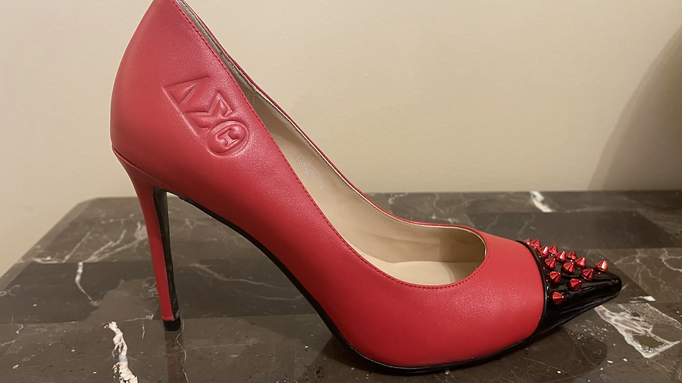 DST Genuine debossed 4in heels size 11 (fits like a size 10)