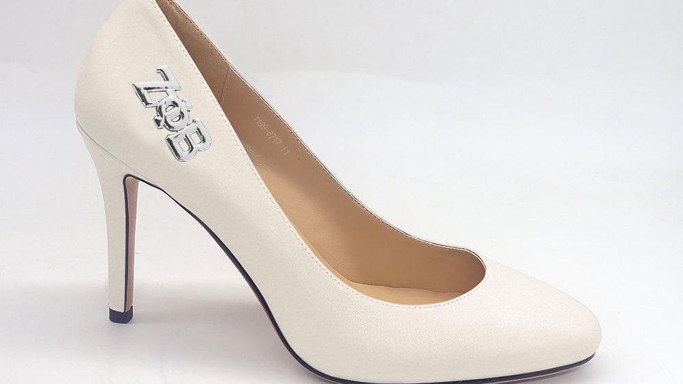 ΖΦΒ Genuine Leather Round Toe Heels with silver buckle