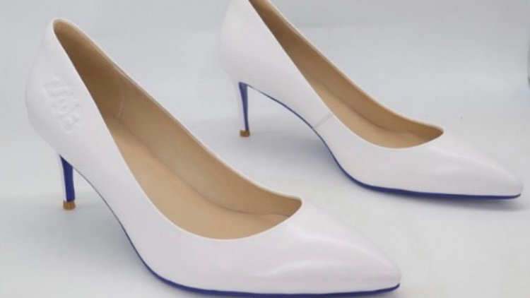 ΖΦΒ White Genuine Leather heels with blue bottom