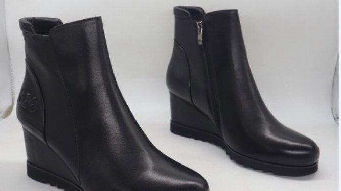 ΔΣΘ Genuine leather wedge boots