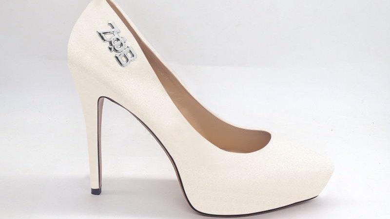 ΖΦΒ  Cream Genuine Leather Debossed Platform 4in Heel with silver buckle