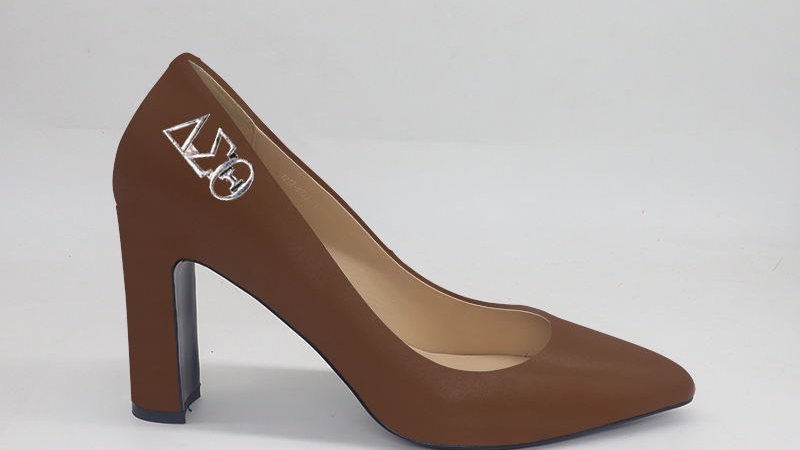 Mocha ΔΣΘ Genuine Leather Block 4in heels with gold buckle