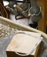 Le tour, les outils pour la fabrication de céramiques