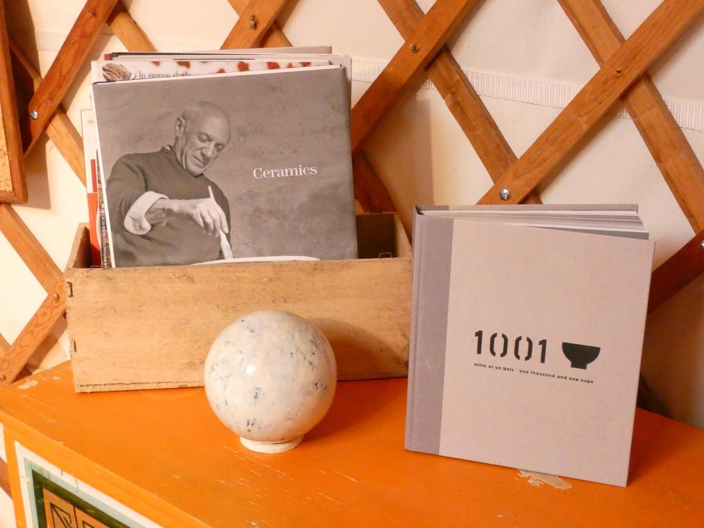 Livres et documentation sur la céramique à disposition des stagiaires
