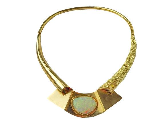 """""""Lago"""" - Collana in oro sbalzato e opale australiano"""