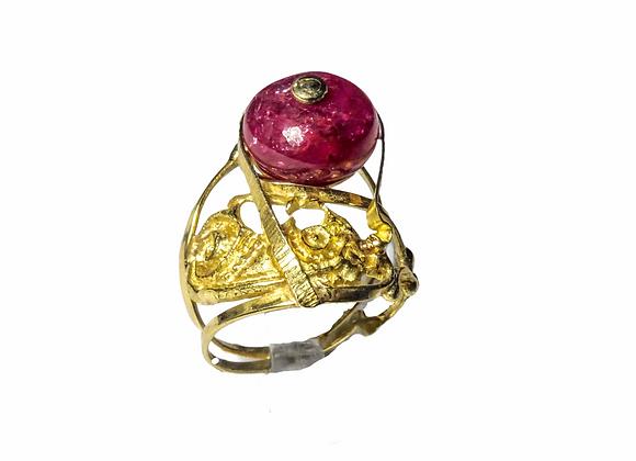 Anello in oro e rubino