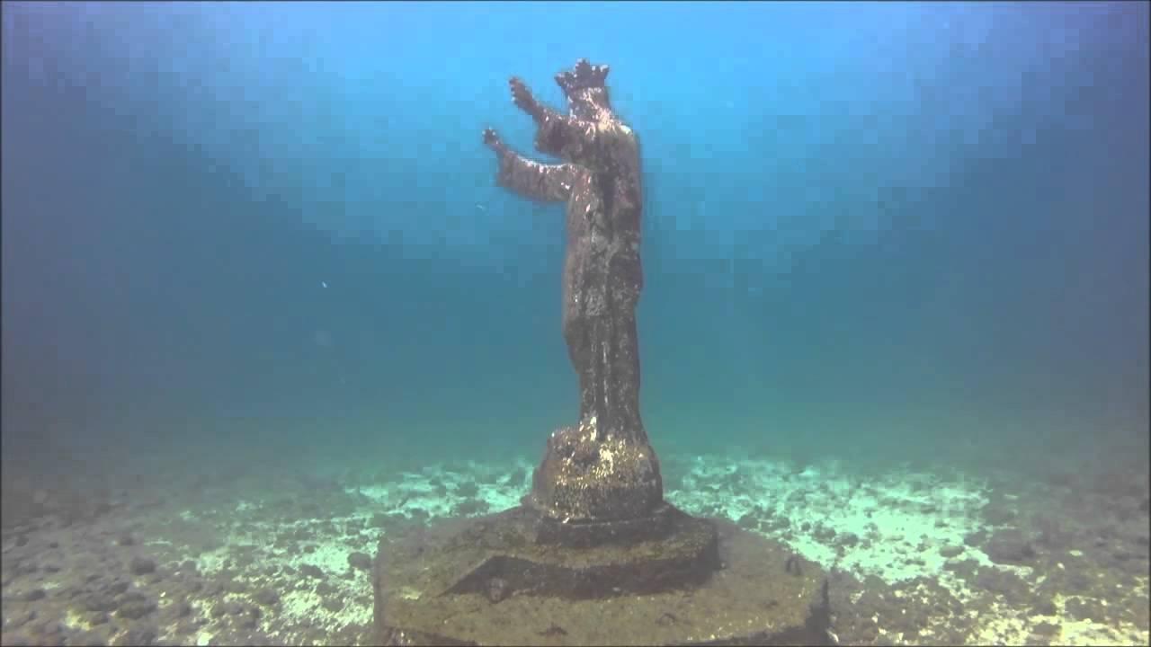 Cristo Sumergido de Ayangue