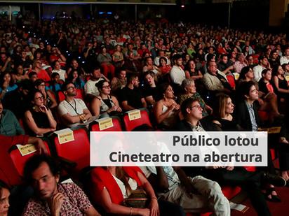 Público lotou Cineteatro na abertura