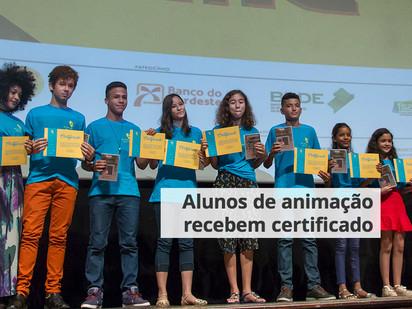Alunos de animação recebem certificado
