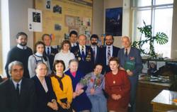 В.В.Вольский с коллегами на кафедре, 9 мая 1995 года