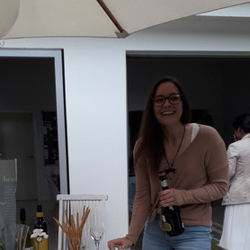 Congratulations to Pip, who successfully completed her PhD viva by Zoom on 07/07/20. We celebrated with socially distanced Aperol spritz!